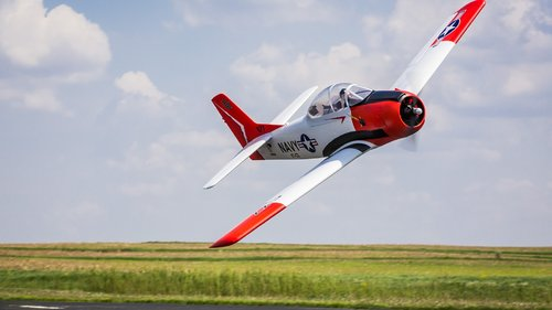 E-flite Carbon-Z T-28 BNF Basic mit AS3X Technologie